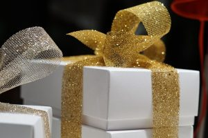 gifts-1622996_640
